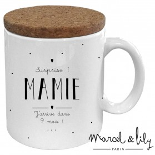 "Mug avec son couvercle en liège ""Future Mamie"""