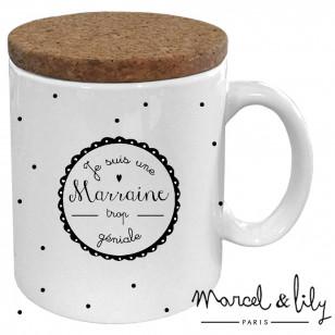 """Mug avec son couvercle en liège """"Je suis une Marraine trop géniale"""""""