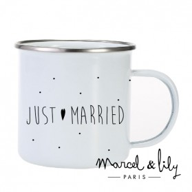 "Tasse émaillée ""Just Married"""